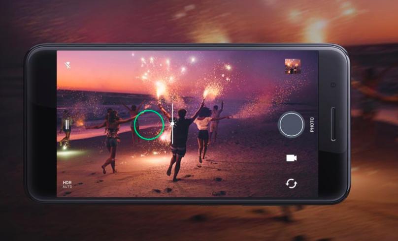 HTC One X10 chính thức ra mắt với pin 4000mAh và thiết kế kim loại