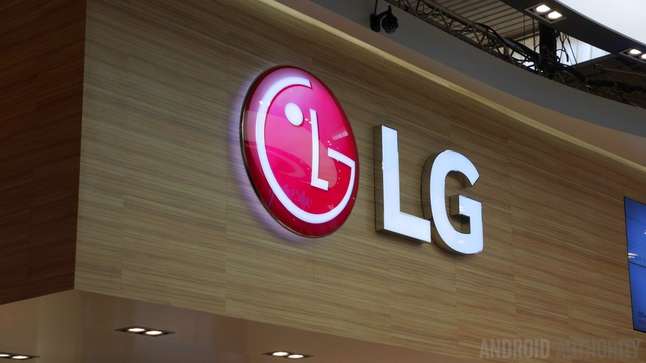 LG sẽ cạnh tranh trực tiếp với Samsung ở mảng màn hình OLED