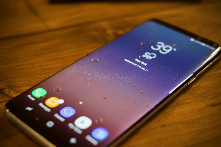 Một số người dùng Samsung Galaxy S8 gặp lỗi tự khởi động lại nhiều lần