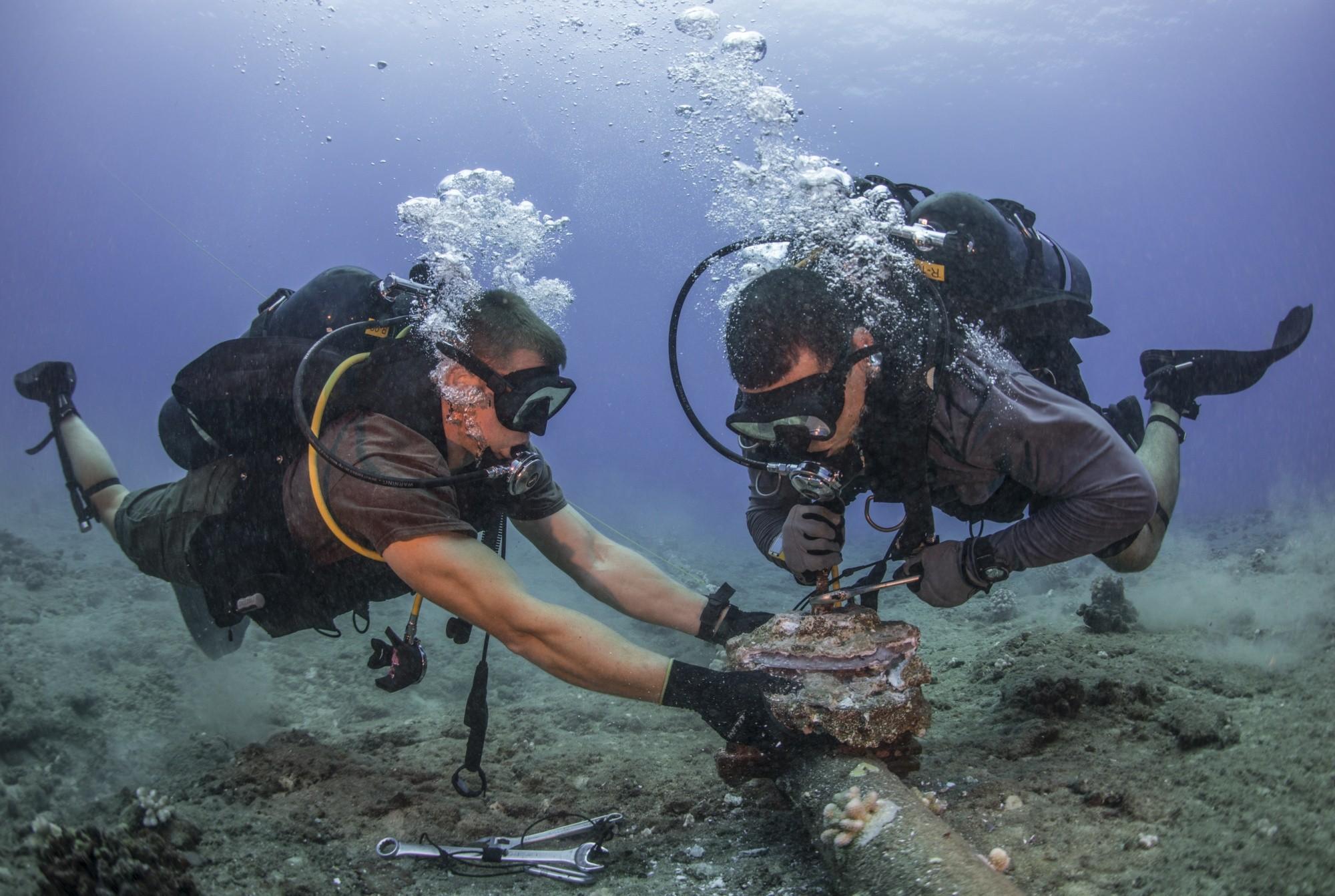 Đã sửa xong tuyến cáp quang biển AAG