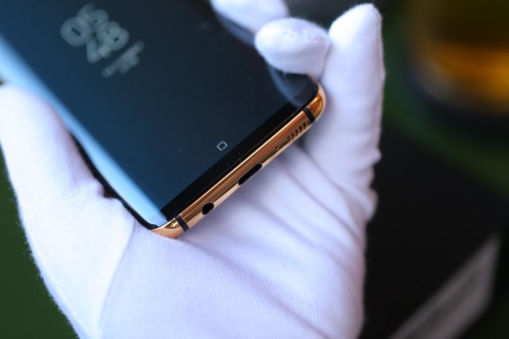 Hnammobile vừa mạ vàng chiếc Galaxy S8 và bán với giá 40 triệu đồng