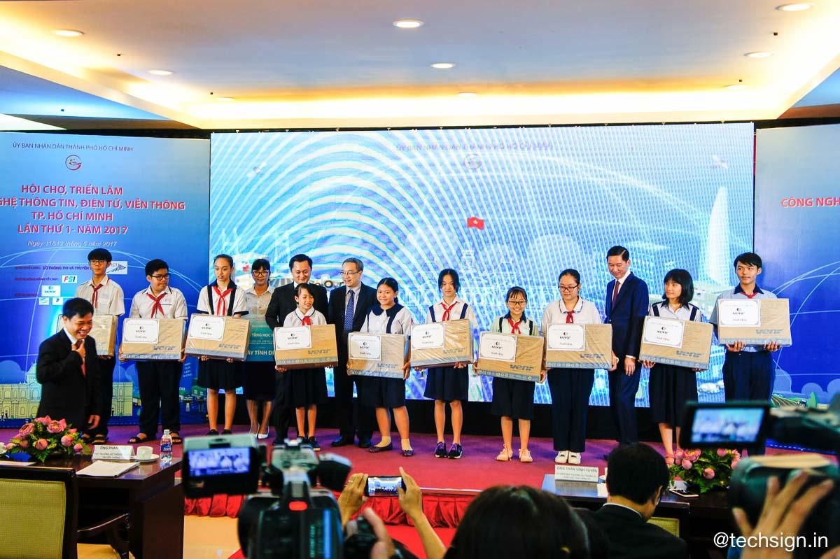Khai mạc hội chợ triển lãm CNTT, Điện tử, Viễn Thông TP.HCM lần 1-2017