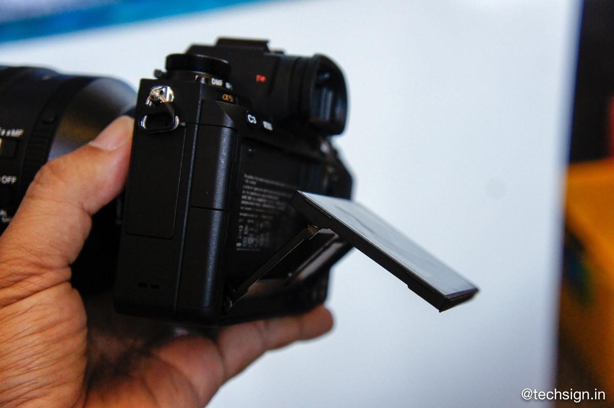 Máy ảnh Full Frame mirrorless Sony A9 chính thức ra mắt, giá 106 triệu đồng
