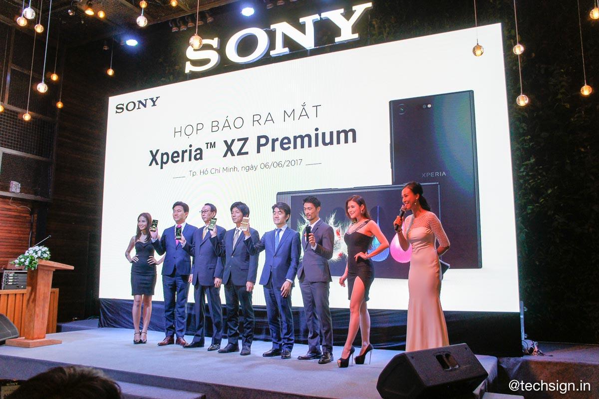 Xperia XZ Premium chính thức ra mắt, giá 18,49 triệu đồng, bán kèm ưu đãi hấp dẫn