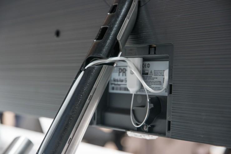 Samsung lên kệ TV QLED Q7F 49 inch: tặng gói bảo hành 3 năm và loa thanh MS550