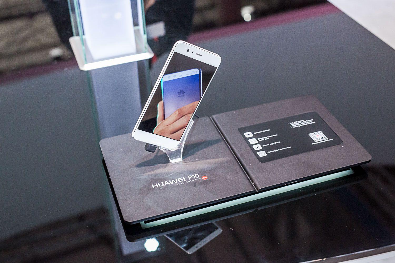 Huawei công bố kết quả kinh doanh nửa đầu năm 2017