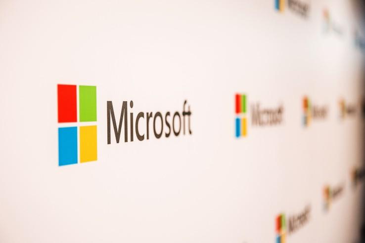 Microsoft cắt giảm hàng ngàn việc làm, cơ cấu lại doanh thu toàn cầu