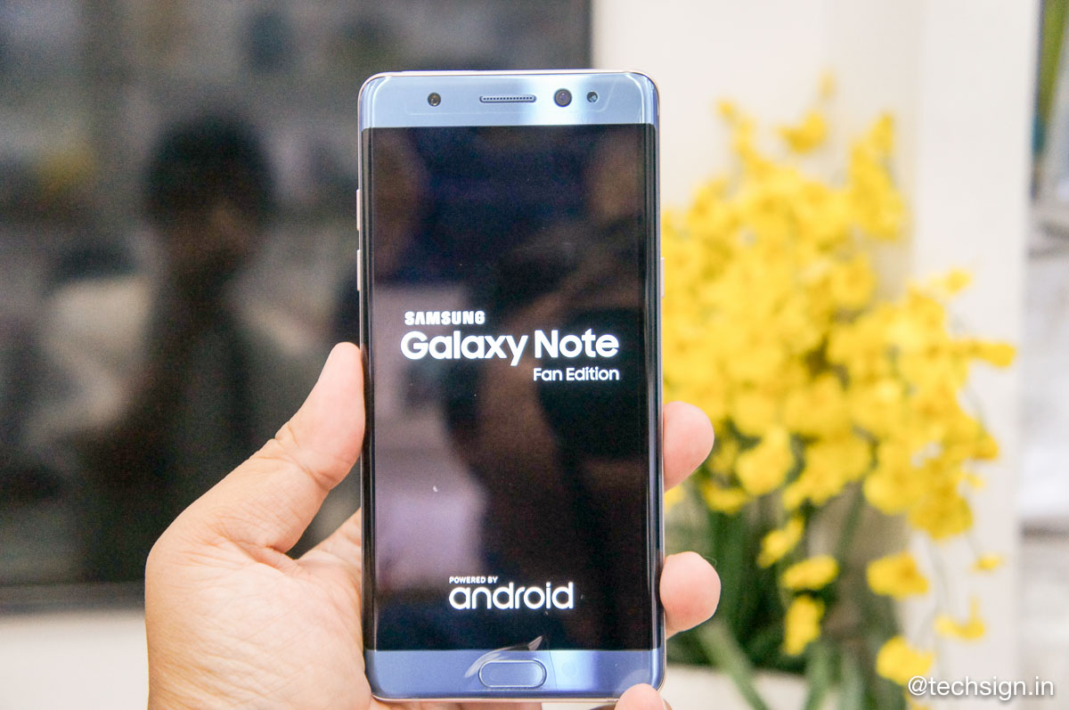 Ảnh mở hộp Samsung Galaxy Note Fan Edition