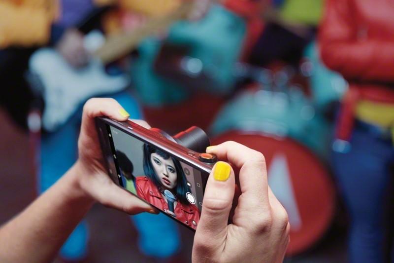 Moto Z2 Play lên kệ tại Việt Nam: giá 11 triệu, hai phiên bản màu, nhiều ưu đãi và quà tặng