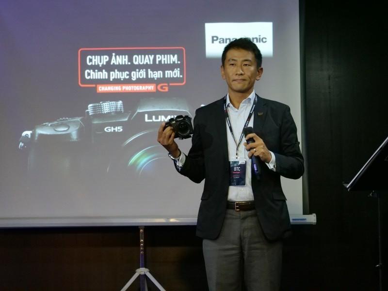 Panasonic Lumix GH5 lên kệ: hỗ trợ quay 4K 60fps, giá 48 triệu đồng
