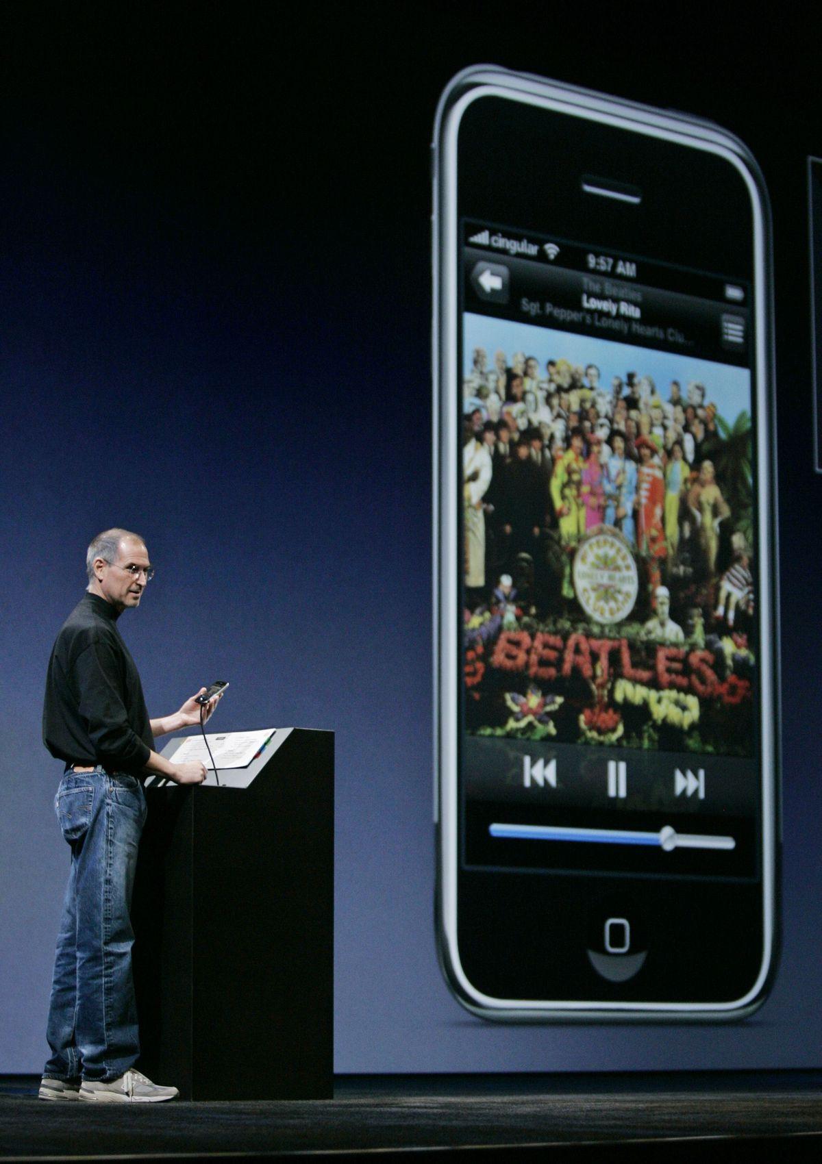 Ngày 9/1/2007, Apple đã đánh lừa cả khán phòng và điều đó đã giúp thay đổi cả thế giới