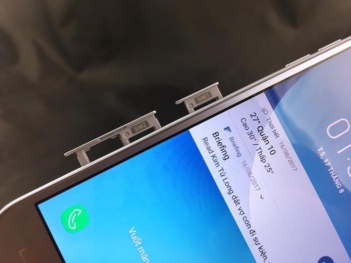 Mở hộp Samsung Galaxy J3 Pro 2017: nhỏ nhẹ, cầm thích, màn hình đẹp