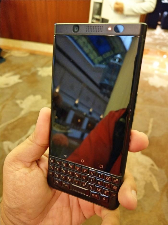 BlackBerry tung phiên bản KEYone màu đen với cấu hình và giá cao hơn ra toàn cầu