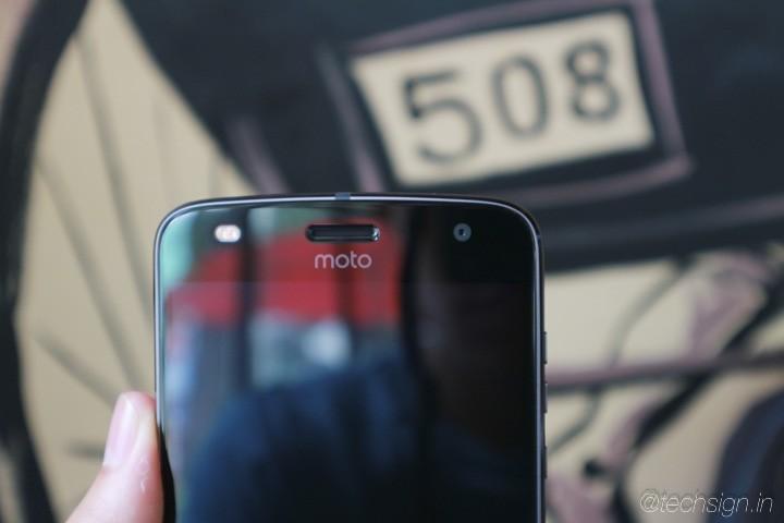 Trên tay và trải nghiệm Moto Z2 Play: mỏng, sexy hơn Z Play, Moto Mods đáng giá