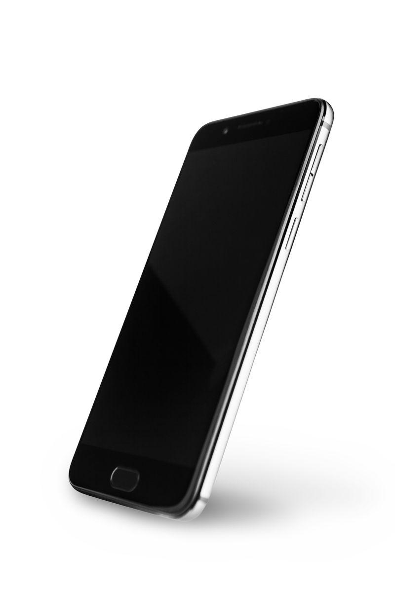 Smartphone hai màn hình YotaPhone 3 ra mắt: chạy Snapdragon 625, giá 600USD