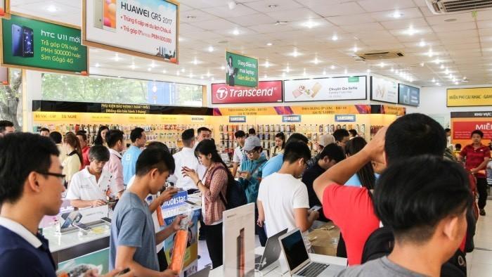Thế Giới Di Động trưng bày Bphone 2017 tại 120 cửa hàng thuộc 5 thành phố