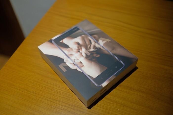 Mở hộp Nokia 8: flagship thiết kế đẹp không tì vết