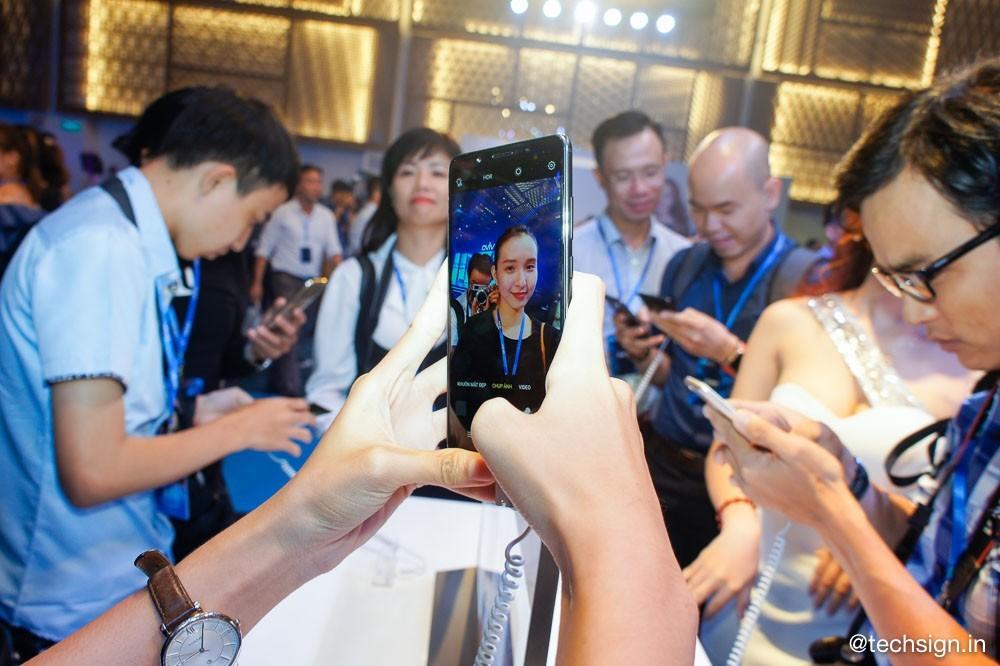 Vivo V7+ lên kệ: camera selfie 24MP, màn hình FullView, giá 8 triệu đồng