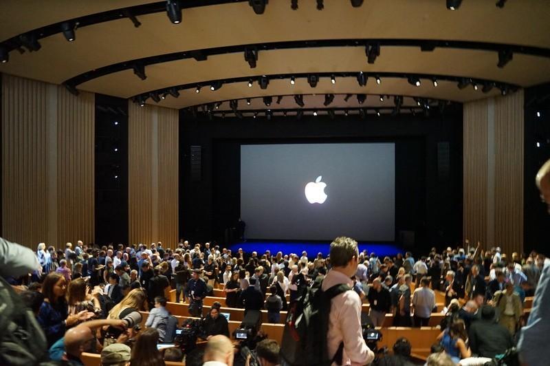 Toàn cảnh ra mắt sự kiện iPhone X của Apple