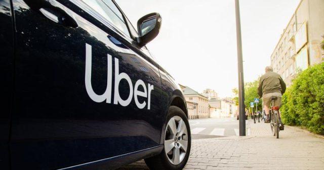 Uber ra mắt tính năng UberDELIVER giúp vận chuyển hàng