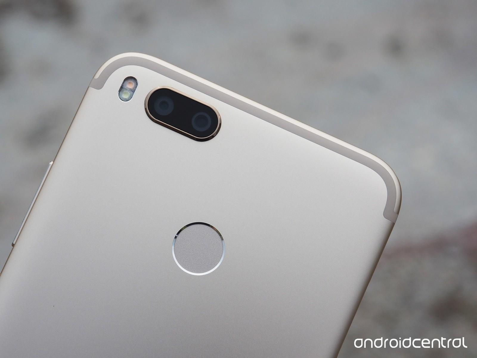 Xiaomi MI A1 chính thức ra mắt tại Ấn Độ: camera kép, giá 5.3 triệu đồng, bán ra từ 12 tháng 9