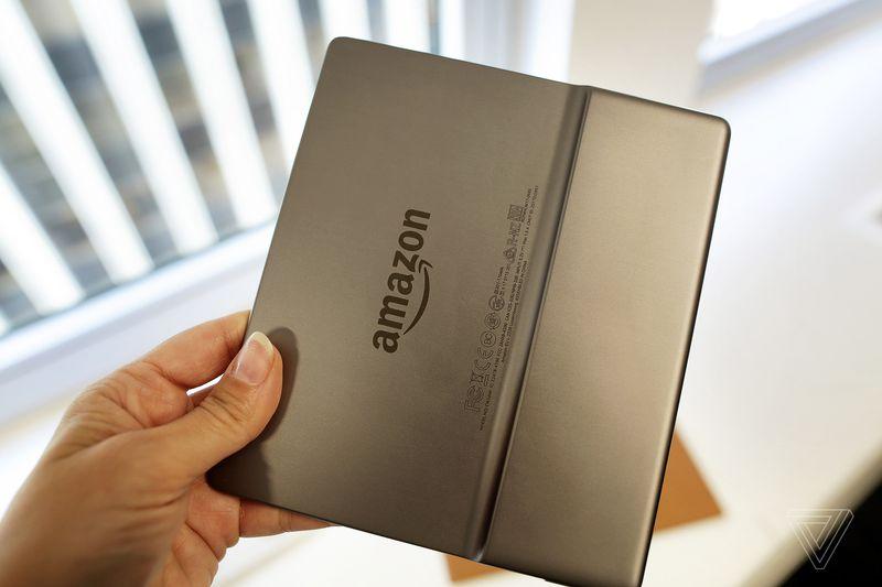 Amazon cuối cùng đã chịu làm máy Kindle chống nước, sau tận 10 năm.
