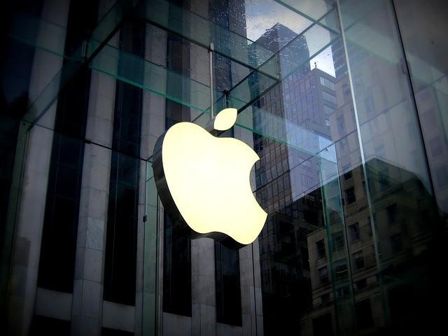 """Báo uy tín của Mỹ đăng tải bài viết cực kỳ """"hư cấu"""": Google mua lại Apple với giá 9 tỷ USD do Steve Jobs di chúc lại"""
