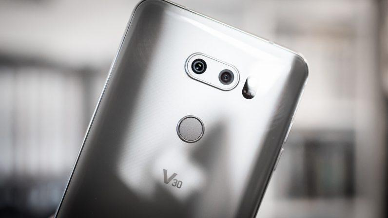 Smartphone camera: Khẩu độ lớn, nhưng cảm biến nhỏ thì để làm gì?