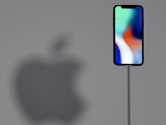 Samsung kiếm được 110 USD với mỗi iPhone X bán ra