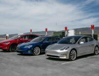 Mẫu xe điện Tesla Model 3 gặp rắc rối, Musk nói 'nút cổ chai' ở khâu sản xuất