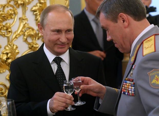 Tin giả và botnets đang là cách người Nga sử dụng làm vũ khí