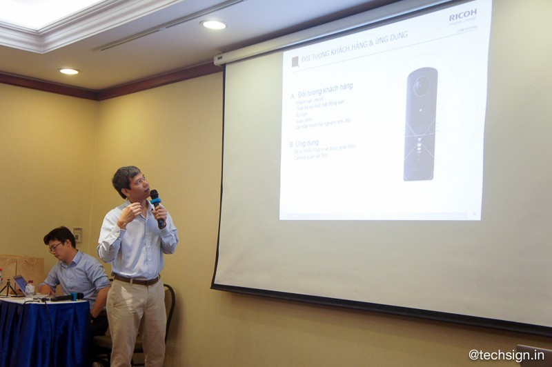 Camera 360 Ricoh Theta V ra mắt tại Việt Nam giá 11 triệu, có bán cả phụ kiện