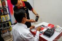 Sáng nay FPT mở bán iPhone X cho khách đặt cọc trước