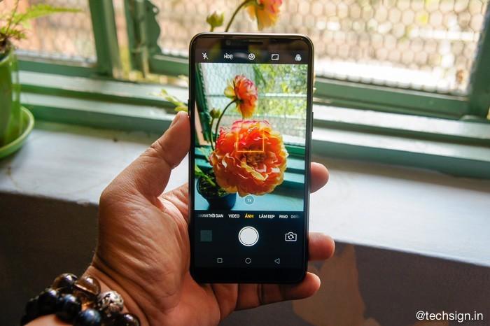 Trên tay Oppo A83: nhỏ gọn, màn hình đẹp