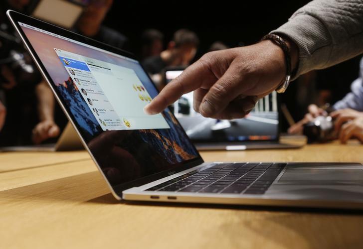 Apple lại vướng rắc rối với tuyên bố thời gian chờ của Macbook