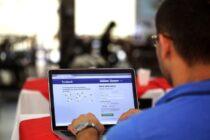 Facebook cho phép người dùng đánh giá độ tin cậy của tin tức