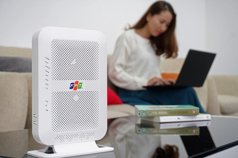 FPT Telecom trang bị modem Wi-Fi băng tầng kép cho khách đăng ký Internet cáp quang