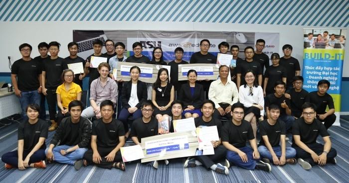 Sinh viên kỹ thuật Việt sáng tạo cùng cuộc thi ASU/AWS EduHack 2018