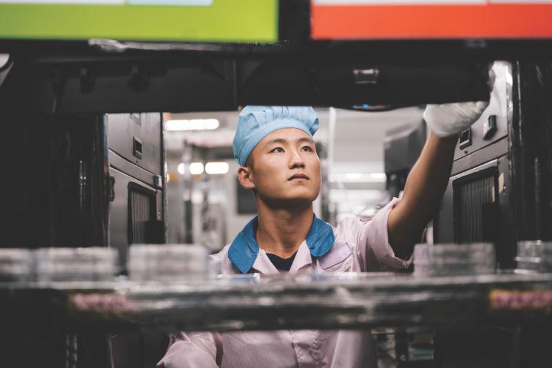 Apple điều tra tình hình công nhân tại các nhà cung cấp của mình trên toàn thế giới