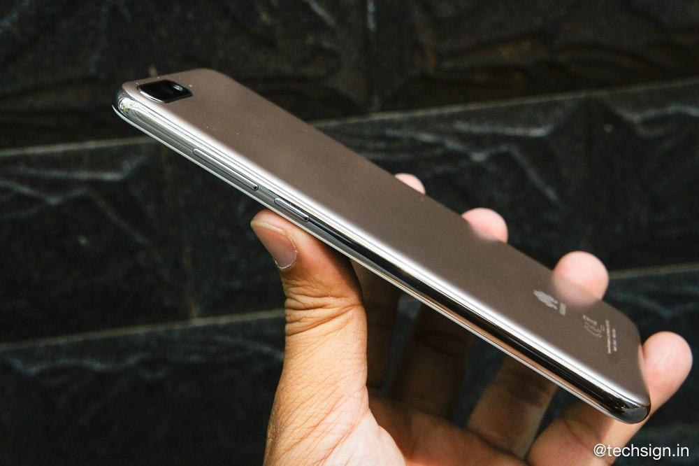 Trên tay Huawei Y7 Pro 2018: vỏ giả kim, màn hình đẹp, camera sau hơi lồi