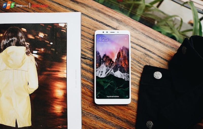 FPT Shop nhận cọc hơn 10.000 máy Xiaomi Redmi 5 Plus