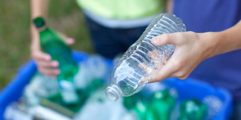 Enzyme đột biến 'ăn' nhựa chỉ trong vài ngày