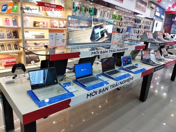 FPT Shop mở rộng chương tình Live Demo Laptop trên toàn quốc