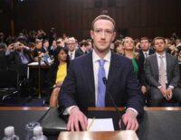 Chính hồ sơ của Mark Zuckerberg cũng bị lộ trong scandal vừa rồi