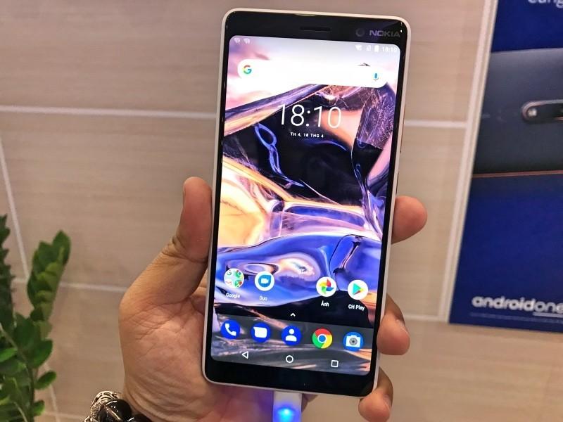 Bộ đôi Nokia 7 Plus và Nokia 6 (2018) ra mắt giá 6 và 9 triệu, chạy Android One với thiết kế nguyên khối kim loại