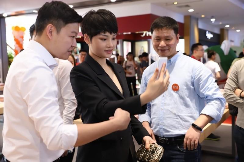 Xiaomi khai trương cửa hàng Mi Store lớn nhất Đông Nam Á