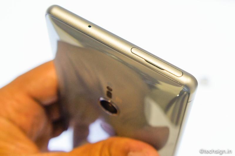 Sony Xperia XZ2 ra mắt giá 20 triệu, đặt hàng trước tặng bộ quà 4 triệu đồng