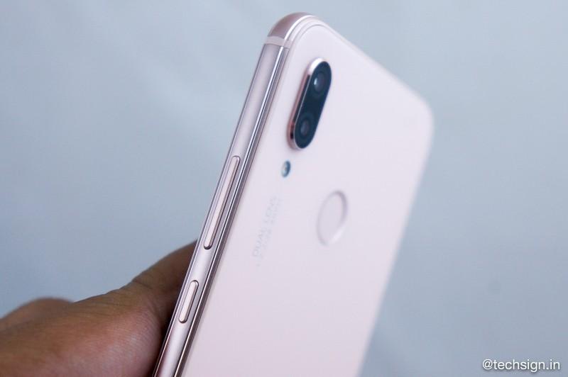 Ảnh thực tế Huawei Nova 3e hồng (Sakura Pink)