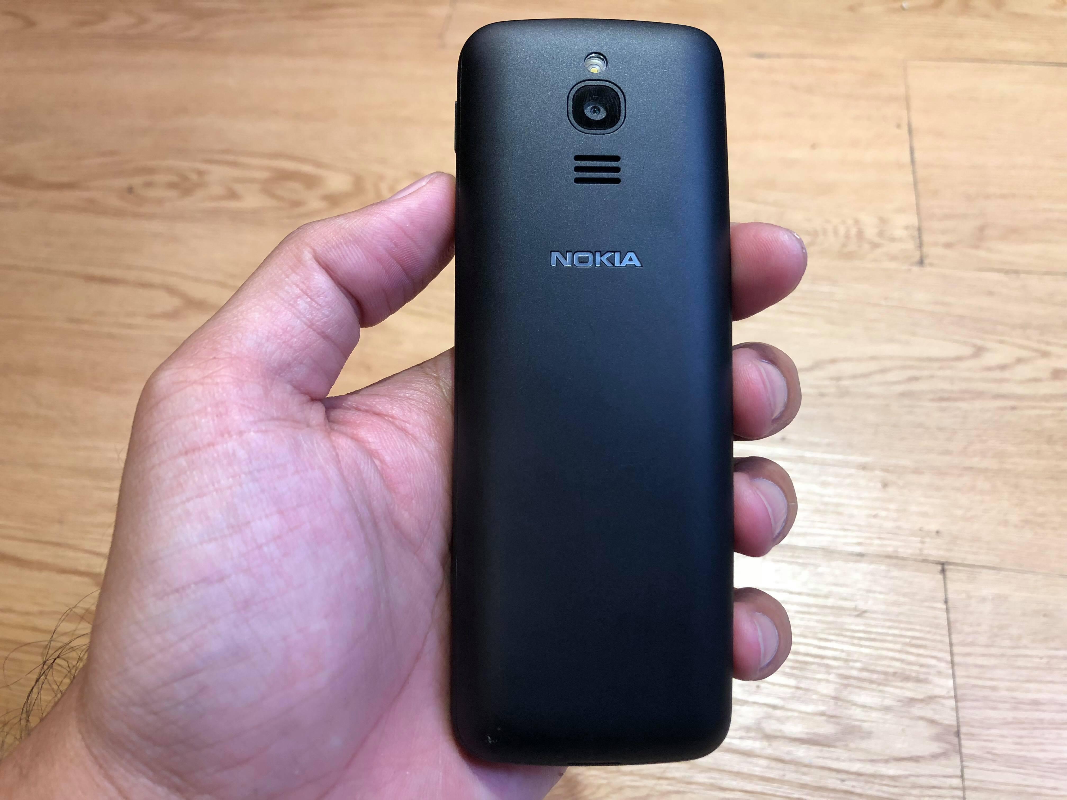 Cận cảnh Nokia 8110 4G chính hãng Việt Nam