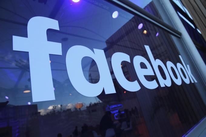 Facebook tạm khóa hơn 200 ứng dụng để điều tra